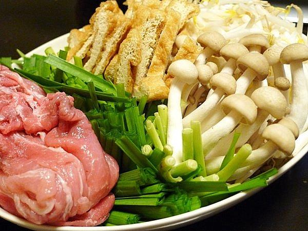 ニラと豚肉の味噌鍋の作り方(3)