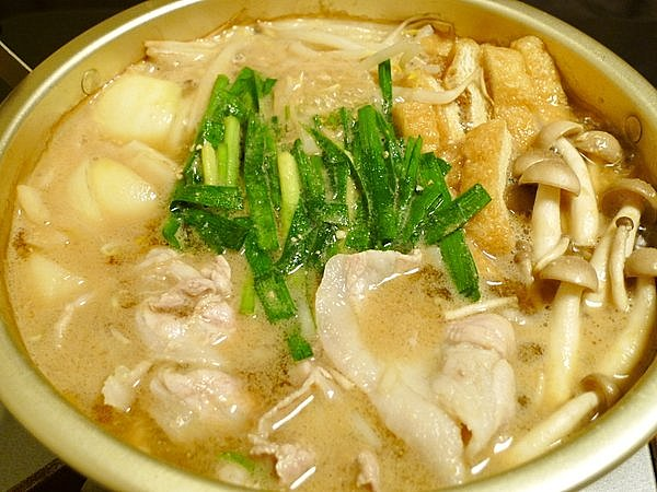 ニラと豚肉の味噌鍋