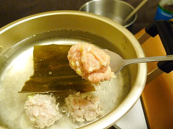 鶏つみれ鍋の作り方(5)