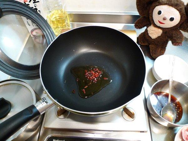 豚ニラ炒め丼の作り方(2)