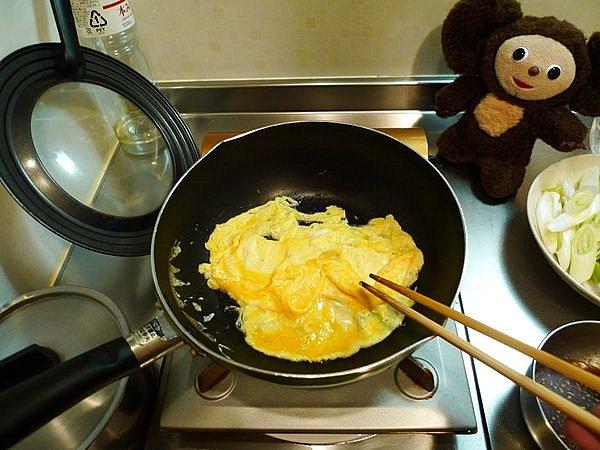 豚玉ネギ炒め丼の作り方(2)