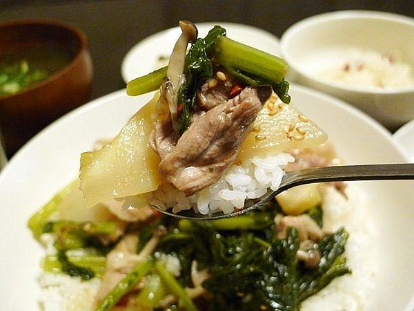 豚カブ炒め丼