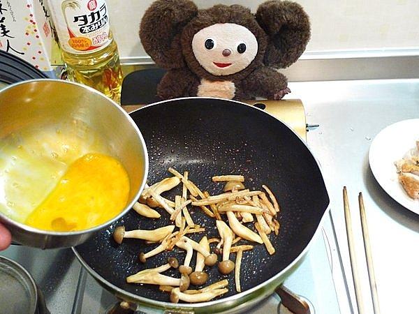 シメジの卵炒め作り方