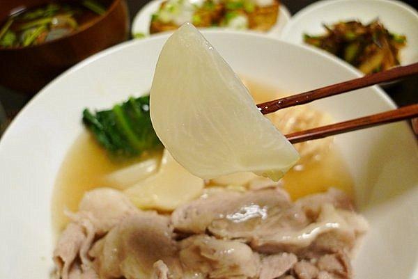 カブと豚肉煮 カブ