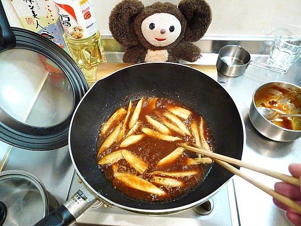 鶏とゴボウのみそ煮込み作り方(4)