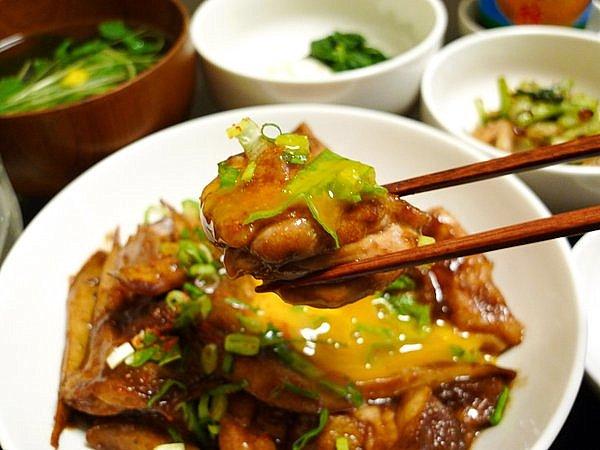 鶏とゴボウのみそ煮込み 鶏肉