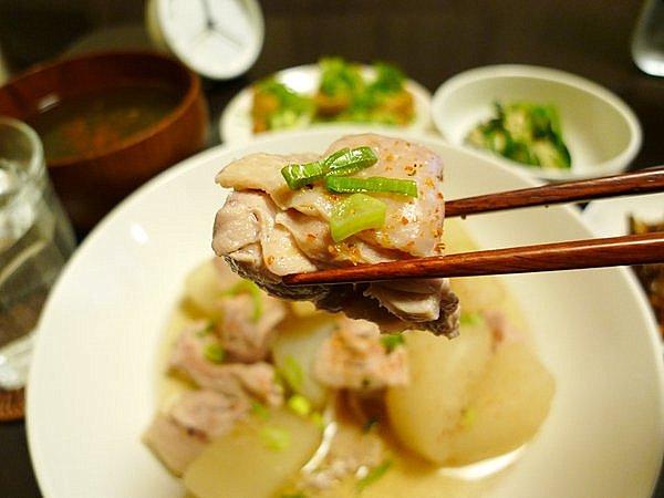 鶏肉入りの大根煮 鶏肉