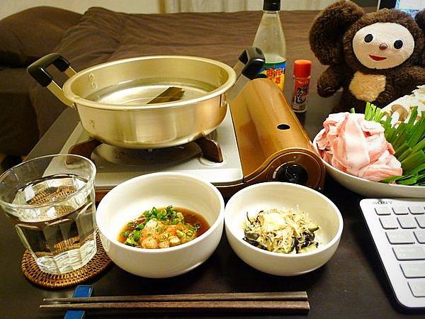 ニラと豚肉の鍋の作り方(1)