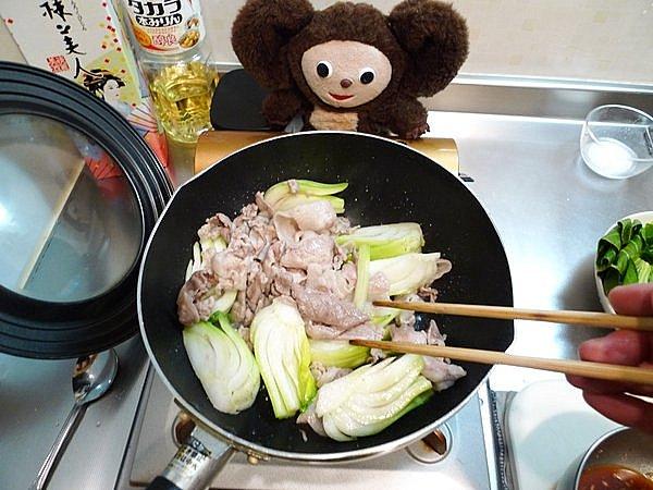 豚肉とチンゲン菜の炒め煮作り方