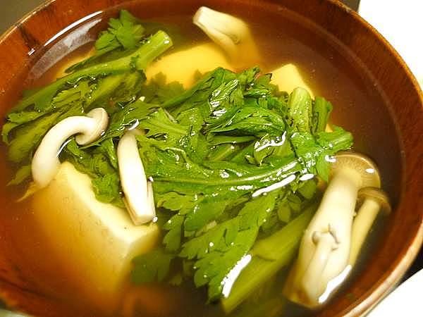 豆腐と春菊の吸物