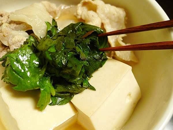 豚肉の湯豆腐