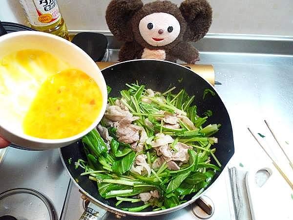 豚肉と壬生菜の卵炒め 作り方