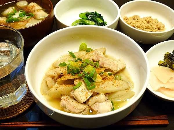 鶏とゴボウの炊き合わせ