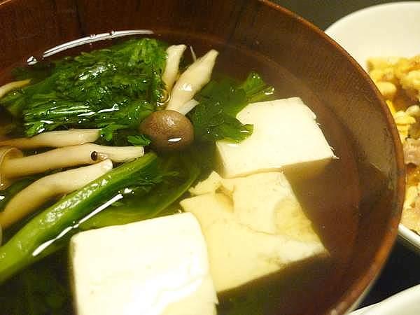 春菊と豆腐の吸物