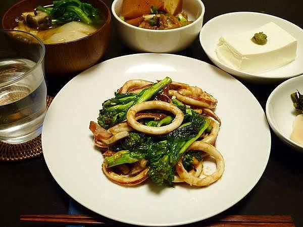 イカと菜の花のオイスターソース炒め