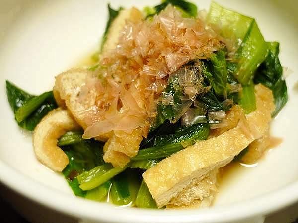前の手羽元大根の煮汁で炊いた小松菜の煮びたし