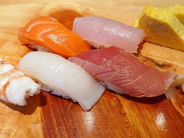 寿司「新月」