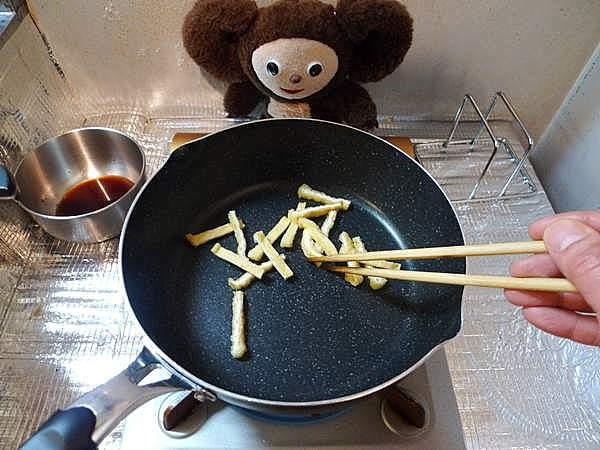 豚肉とわかめの炒め 作り方