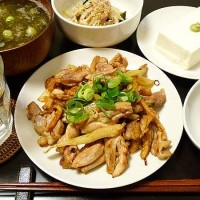 鶏とセロリの塩炒め