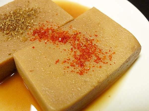 ツバスの煮汁をうすめて煮た高野豆腐