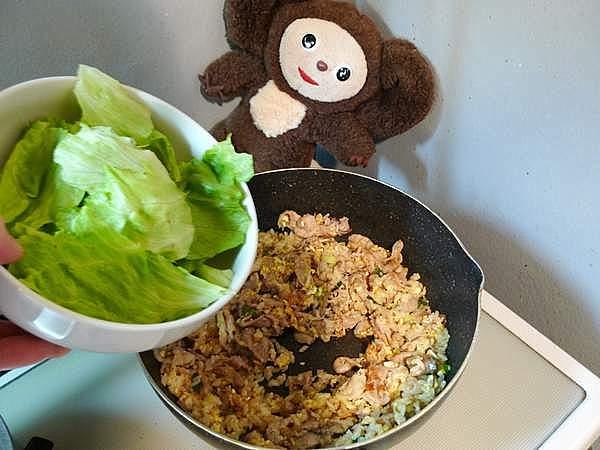 豚肉とレタスのチャーハン 作り方