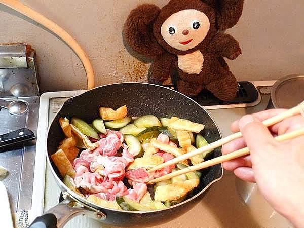 豚肉とキュウリ古漬けの塩炒め 作り方