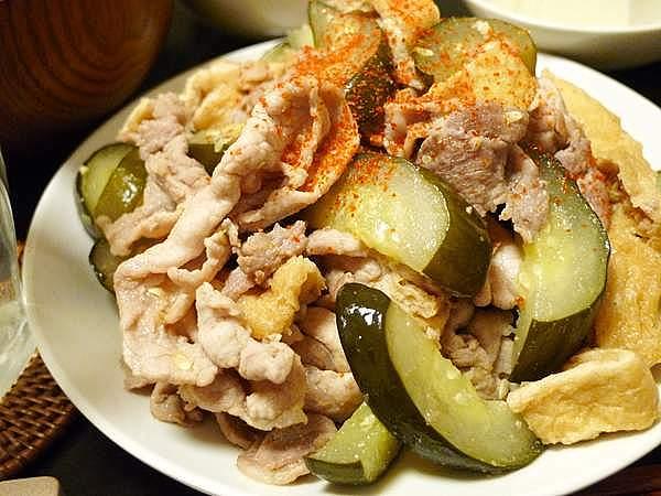 豚肉とキュウリ古漬けの塩炒め