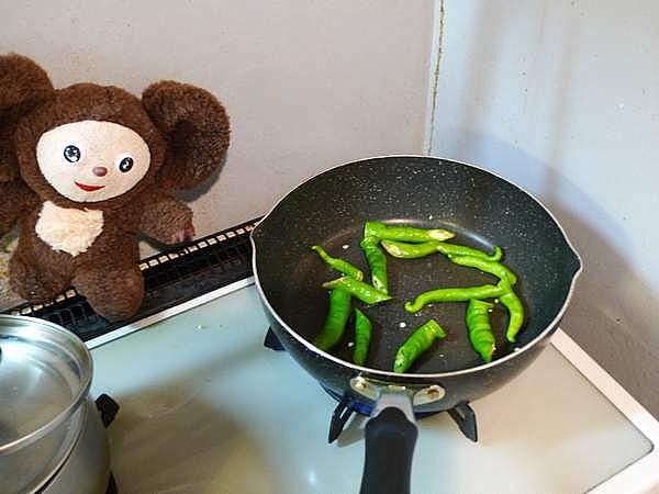 スルメイカとトマトのオイスターソース炒め 作り方