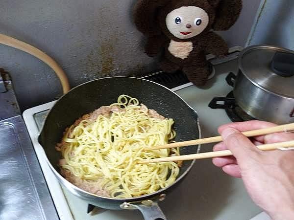 ツナと卵の焼きソバ 作り方