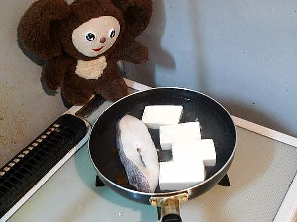 カラスガレイと豆腐の煮付け 作り方