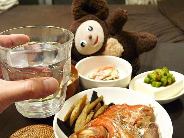 酒は、日本酒を切らしていたので焼酎水割り