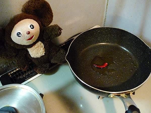 イカときゅうり、万願寺のオイスターソース炒め 作り方