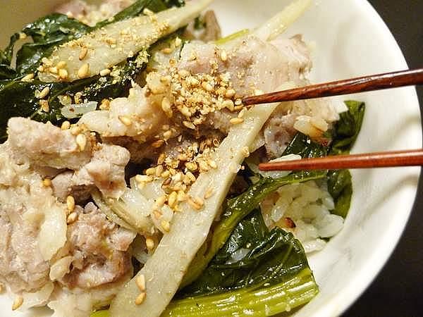 豚肉と小松菜の炊き込みご飯