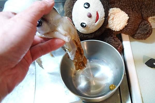 イカゲソのワタ味噌炒め