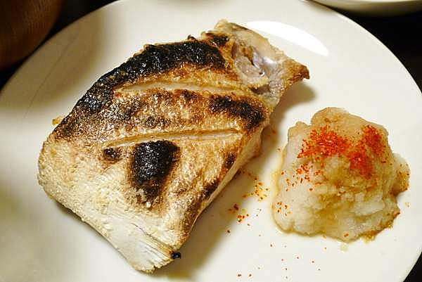 ブリカマ塩焼き