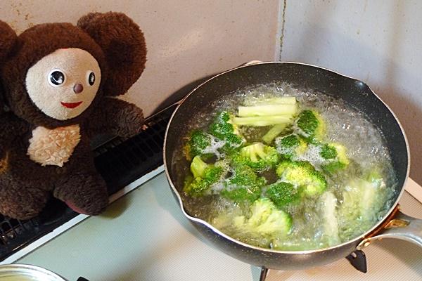 スルメイカとブロッコリーのオイスターソース炒め