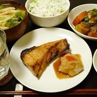 ブリ塩焼きと大根菜めし