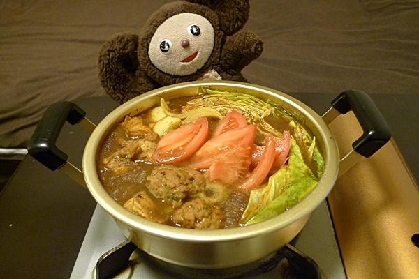 鶏つくねのカレー鍋