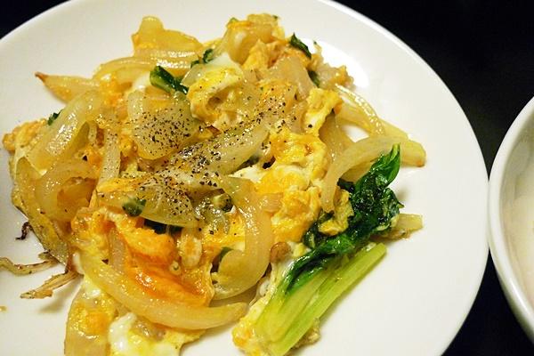 セロリの葉と卵のじゃこ炒め