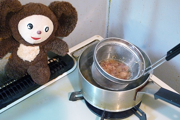 豚肉とニラ・カキのマーボー鍋