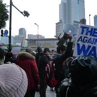 官邸前抗議行動