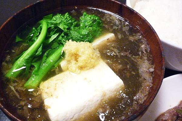 トロロ昆布の吸物・菜の花と豆腐入り