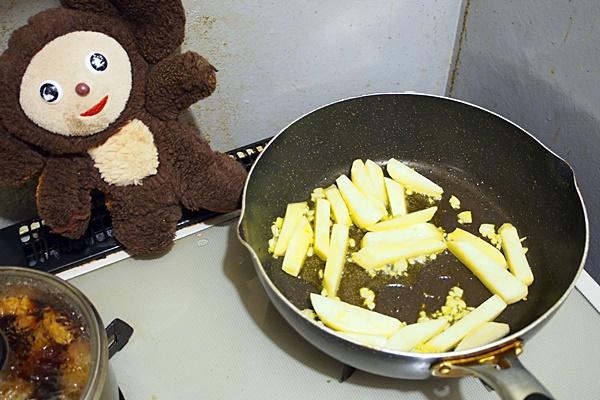 あさりとジャガイモの甘酸っぱ炒め