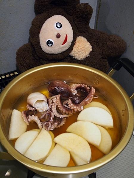 イイダコ煮付とタケノコごはん、若竹汁