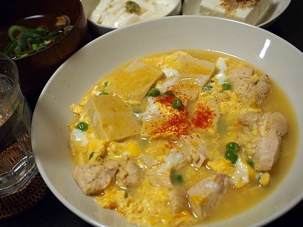 えんどう豆と高野豆腐の卵とじ