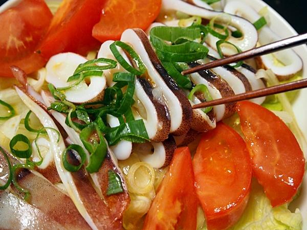 焼きイカのサラダ