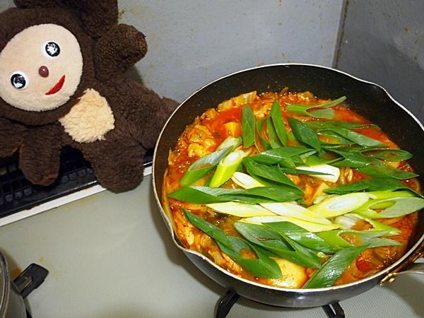 鶏とじゃがいものキムチ煮 作り方