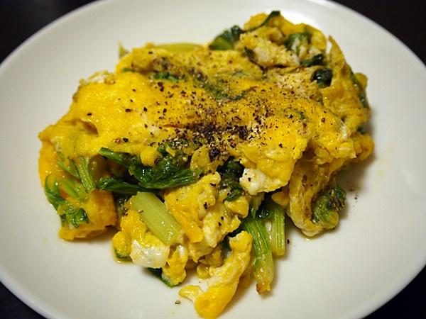 セロリの葉の卵炒め