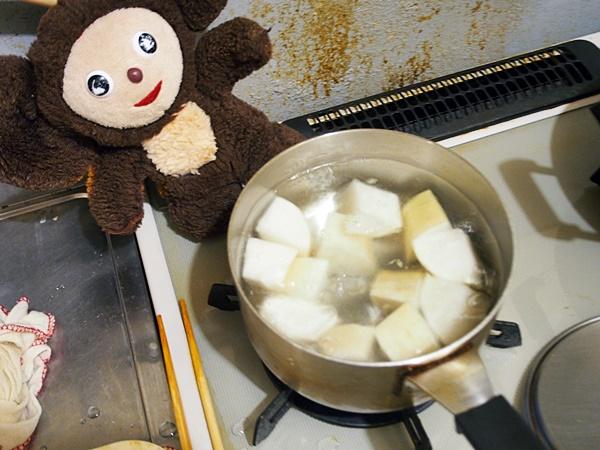 鶏肉と大根のキムチ汁 作り方