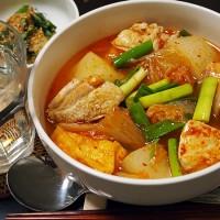 鶏肉と大根のキムチ汁